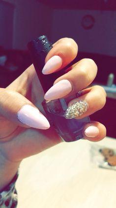 My new set of stelleto nails