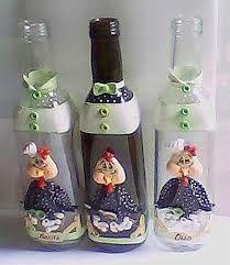 Resultado de imagem para garrrafas com bisciut Biscuits, Water Bottle, Jar, Home Decor, Painted Coffee Mugs, Bottles, Jars, Hand Crafts, Stuff Stuff