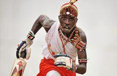 【イケメン過ぎる】武器の槍をバットへ「マサイ族の戦士によるクリケット・チーム」は部族の衣装で戦う | DDN JAPAN