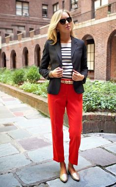 The Classy Cubicle: Fall Brights: Black blazer, stripe blouse, red pants, gold accessories :) Red Trousers Outfit, Loafers Outfit, Trouser Outfits, Red Pants, Blazer Jacket, Blazer Outfit, Orange Pants, Nyc Fashion, Dressy Casual Outfits