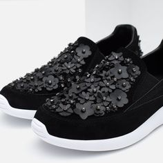 Image 3 of LEATHER SNEAKERS WITH FLORAL DETAIL from Zara
