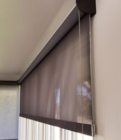 Hunter Douglas Contract: Roller Shades RB 500 Roller Shades
