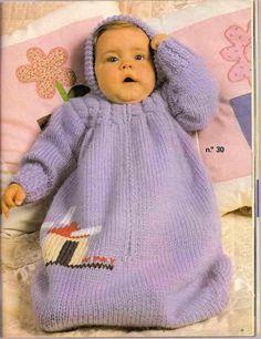 "Baby Knitting Patterns Sleeping Bag Ravelry: # 103 Baby Sleeping Bag pattern by Diane SoucyKnitting Pure and Simple--Diane Soucy--Baby Sleeping Bag (birth - 1 year)Crochet Patterns Sleeping Bag From Knitting Pure & Simple: ""A snuggly sleeping solution f Baby Cardigan, Baby Pullover, Baby Bunting, Knitting For Kids, Baby Knitting, Baby Sleeping Bag Pattern, Baby Cocoon Pattern, Baby Barn, Bebe Baby"