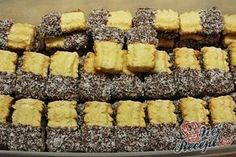 Kokosové banánky | NejRecept.cz Graham Crackers, Holiday Cookies, Winter Food, Desert Recipes, Deserts, Food And Drink, Pudding, Baking, Cake