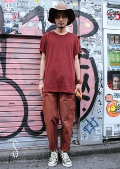 TUNE / street fashion snap in Harajuku Tokyo Japan T-shirt: UNIQLOpants: Umit Benan shoes: converse X STUSSY /hairstylist (CLARICA&STRAMA)Instagram: SATOTOMOYALocation: Harajuku Tokyo2014-06-18HUNTER: TOMOYO