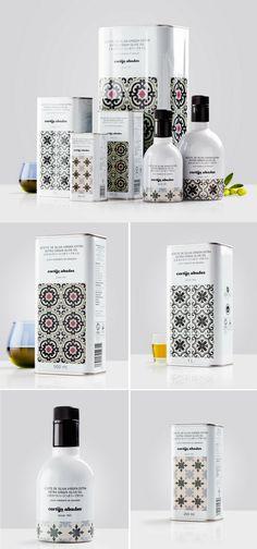 Cortijo Abades extra virgin olive oil packaging by Buenaventura