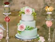 Vibrantly Beautiful Wedding Cakes that Sparkle