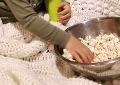 Making popcorn in a dish