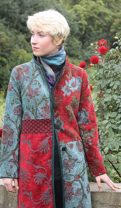 Smithsonian Craft2Wear Show, Oct 1-3, 2015, Washington DC. Featured artist Mary Lynn O'Shea: The fabrics she uses are her own jacquard color combinations, which are the culmination of forty  years of experience in working with fiber and color. http://swc.si.edu/craft2wear Designer | Weaver | Addison Jacket