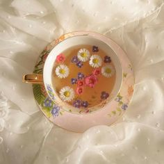 Classy Aesthetic, Summer Aesthetic, Aesthetic Food, Aesthetic Vintage, Cute Wallpaper Backgrounds, Cute Wallpapers, Princess Aesthetic, Indie Kids, Flower Tea