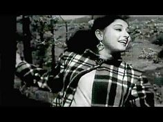 In this hustle bustle life we just forget some evergreen classic songs here is o. - Photo Archive X Hindi Old Songs, Song Hindi, Film Song, Lata Mangeshkar, Postive Quotes, Classic Songs, Bollywood Songs, Music Albums, Photo Archive