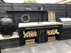 stadtuin (tje) in Almere - vtwonen.nl Big Green Egg Outdoor Kitchen, Outdoor Bbq Kitchen, Outdoor Kitchen Design, Outdoor Cooking, Outdoor Kitchens, Barbacoa Jardin, Outdoor Grill Station, Paint Your House, Backyard Patio Designs
