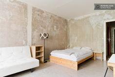 Berlin pad for April visit