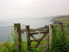 PORT ISAAC:  The rugged coast of Cornwall https://destinationfiction.blogspot.ca/2016/10/doc-martins-port-isaac.html