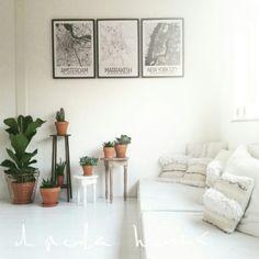 A fusion of Moroccan and Scandinavian touch ♡ styling Melanie el Haddad owner of webshop El Ramla Hamra www. Living Room Inspiration, Interior Inspiration, Style Inspiration, Interior Styling, Interior Design, Rug Texture, Moroccan Interiors, Fabric Rug, Scandinavian