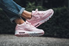 "The Nike Air Max 90 SE Mesh ""Prism Pink"" Is for Your Inner Barbie Girl http://feedproxy.google.com/fashionshoes11"