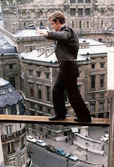 Jean Paul Belmondo in una scena del film Peur sur la ville Jean Dujardin, French Icons, French Films, Great Photos, Cool Pictures, Frances Movie, Monsieur Jean, Emmanuelle Béart, French New Wave