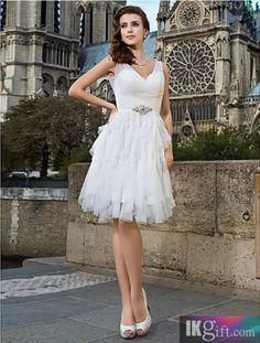 Sheath/Column V-neck Knee-length Tulle Wedding Dress