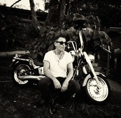 "Springsteen bike ""tours"" Australia's Gold Coast."