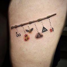 Tattoos on back – Tattoos And Tiny Harry Potter Tattoos, Mode Harry Potter, Harry Tattoos, Fandom Tattoos, Harry Potter Images, Mini Tattoos, Small Tattoos, Tattoos For Guys, Hogwarts Tattoo