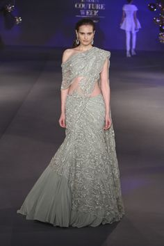 Complete collection: Gaurav Gupta at India Couture Week 2017 Saree Designs Party Wear, Lehenga Designs, Saree Blouse Designs, Indian Designer Outfits, Designer Dresses, Indian Dresses, Indian Outfits, Saree Gown, Stylish Sarees
