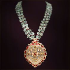 Jewerly indian traditional jewellery ideas for 2019 India Jewelry, Gems Jewelry, Pearl Jewelry, Beaded Jewelry, Silver Jewelry, Royal Jewelry, Silver Bracelets, Silver Rings, Emerald Pendant