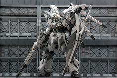 Custom Build: hi-nu Gundam - S Gundam Toys, Gundam Art, Gunpla Custom, Custom Gundam, Battle Robots, Gundam Mobile Suit, Arte Robot, Lego, Robot Concept Art