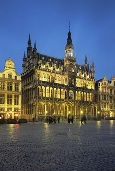 'Brussels, Belgium (Jon Arnold)' by Jon Arnold Images    Another beautiful place my feet have stood in front of. My hours are blessed with beautiful times.