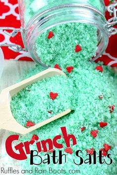 These Grinch Christmas bath salts are a load of fun to make and give. The post Make Some Easy Grinch Bath Salts and WOW Them All! Crafts For Kids, Diy Crafts, Summer Crafts, Sugar Scrub Diy, Sugar Scrubs, Salt Scrubs, Diy Scrub, Navidad Diy, Grinch Christmas