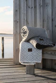 Cozy at the water Sauna House, Yoga Studio Design, House By The Sea, Linens And Lace, Bed Throws, Throw Rugs, Soft Furnishings, Home Textile, Konmari