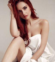 Sophia Blake. H κοκκινομάλλα φωτογράφος που σου κάνει… κλικ