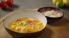 Viscurry van Sandra Bekkari | VTM Koken Fish Recipes, Chicken Recipes, Healthy Recipes, Healthy Food, Good Food, Yummy Food, Happy Foods, Group Meals, Food Inspiration