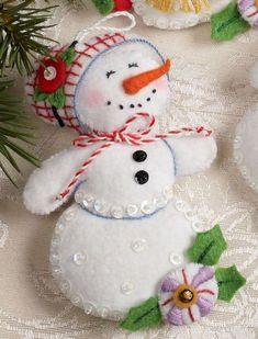 Bucilla Let It Snowman 6 Piece Felt Christmas Ornament Kit 86186 Frosty Lady Felt Christmas Decorations, Christmas Ornaments To Make, Christmas Sewing, Noel Christmas, Felt Ornaments, Handmade Christmas, Beaded Ornaments, Glass Ornaments, Felt Snowman