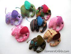 - Fil bebeklerin gözleri içinde siyah düğme kullanabilirsiniz. Yaptığınız fil bebekleri sevdiklerinizle paylaşabilirsiniz.