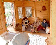 Interior casa de madera para niños con terrazaCAMPO.