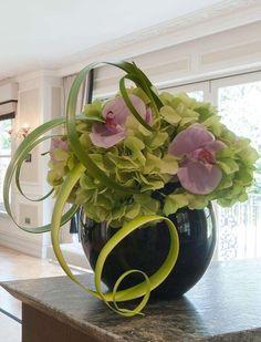 Resultado de imagem para flower arrangements on pinterest