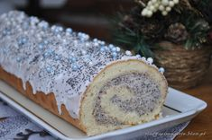 Rolada z kremem makowym Interesting Recipes, Christmas Baking, Baking Recipes, Banana Bread, Sweet Tooth, Good Food, Food And Drink, Eat, Cooking