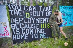 Funny Welcome Home Sign Boyfriend Ideas Marine Homecoming, Military Homecoming Signs, Homecoming Posters, Military Quotes, Homecoming Dresses, Army Humor, Military Humor, Army Life, Military Life