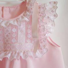 Kids Summer Dresses, Little Dresses, Little Girl Dresses, Girls Dresses, Girls Lace Dress, Baby Dress, Frocks For Girls, Blouse Neck Designs, Heirloom Sewing