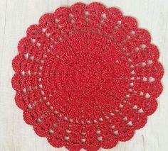 sousplat-de-croche-vermelho-e-dourado-mesa-posta.jpg 1.200×1.088 pixels