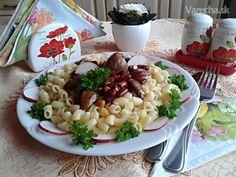 Dnešný sviatočný oddychový deň som volila tiež oddychové varenie., čo budete potrebovať 200 g srdcia morčacie, 1 ks cibuľa, 1 pl masť bravčová, 1/2 kl paprika červená mletá, štipka korenie čierne mleté, podľa chuti soľ, 350 ml konzerva fazuľa s kukuricou a paradajkami, cestoviny Paradajková Omáčka Na Cestoviny, Paradajkova Omacka Pasta Salad, Risotto, Ethnic Recipes, Food, Crab Pasta Salad, Essen, Meals, Yemek, Eten