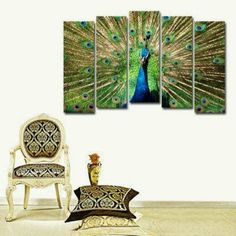 Peacock decor. That picture... =O