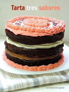 Tarta de chocolate de tres sabores Chocolate, Breakfast, Cake, Desserts, Food, Top Drawer, Recipes, Pies, Morning Coffee