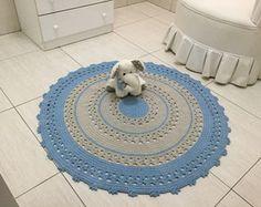 lindo tapete de crochê para bebê nas cores azul bebê e caqui, um charme para o quartinho do bebê. baby João Lucas   #tapetedecroche #tapeteazulbebe #tapetequartodebebe  #tapetequartodebebemenino #quartodebebe