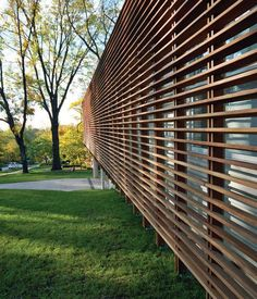 Why not this instead of burglar bars? Modern facade with slatted Cumaru wood screen, Dan Rockhill, Lawrence, Kansas Timber Battens, Timber Screens, Wood Slats, Facade Architecture, Contemporary Architecture, Modern Exterior, Exterior Design, Burglar Bars, Wood Facade