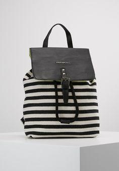 Herschel, Nike Sportswear, My Wardrobe, Black Nikes, Html, Leather Backpack, Fashion Backpack, Backpacks, Black And White