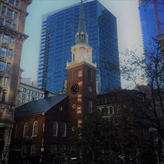 With so much to see and do in Boston, Massachusetts it can be difficult to prioritise your top attractions to visit. I've created a the Ultimate Must- See Guide complete with links to fast track to relevant sites. Caring and Sharing guys. Enjoy.