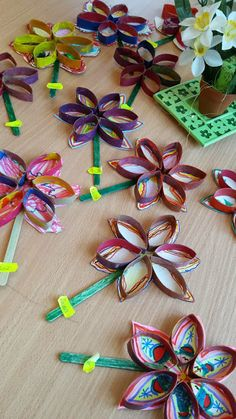 Fashion and Lifestyle Summer Arts And Crafts, Valentine's Day Crafts For Kids, Craft Activities For Kids, Spring Crafts, Art For Kids, Diy And Crafts, Kindergarten Art Projects, Classroom Art Projects, Art Classroom