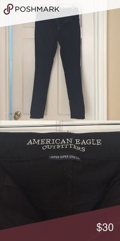 American Eagle Black Jeggings Only worn twice! Great condition! American Eagle Outfitters Pants Straight Leg
