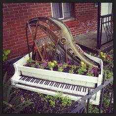 Montreal piano garden.   Flickr - Photo Sharing!